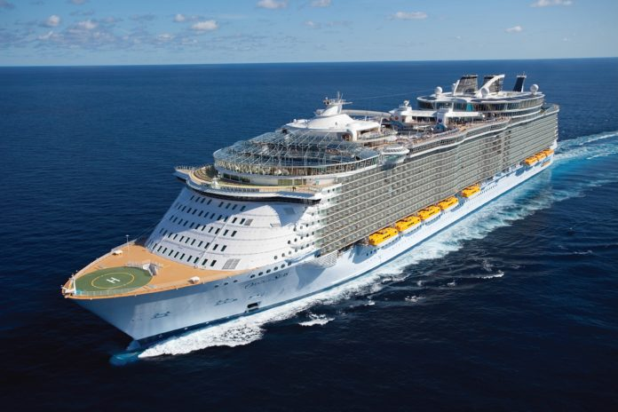oasis-of-the-seas-seitenansicht