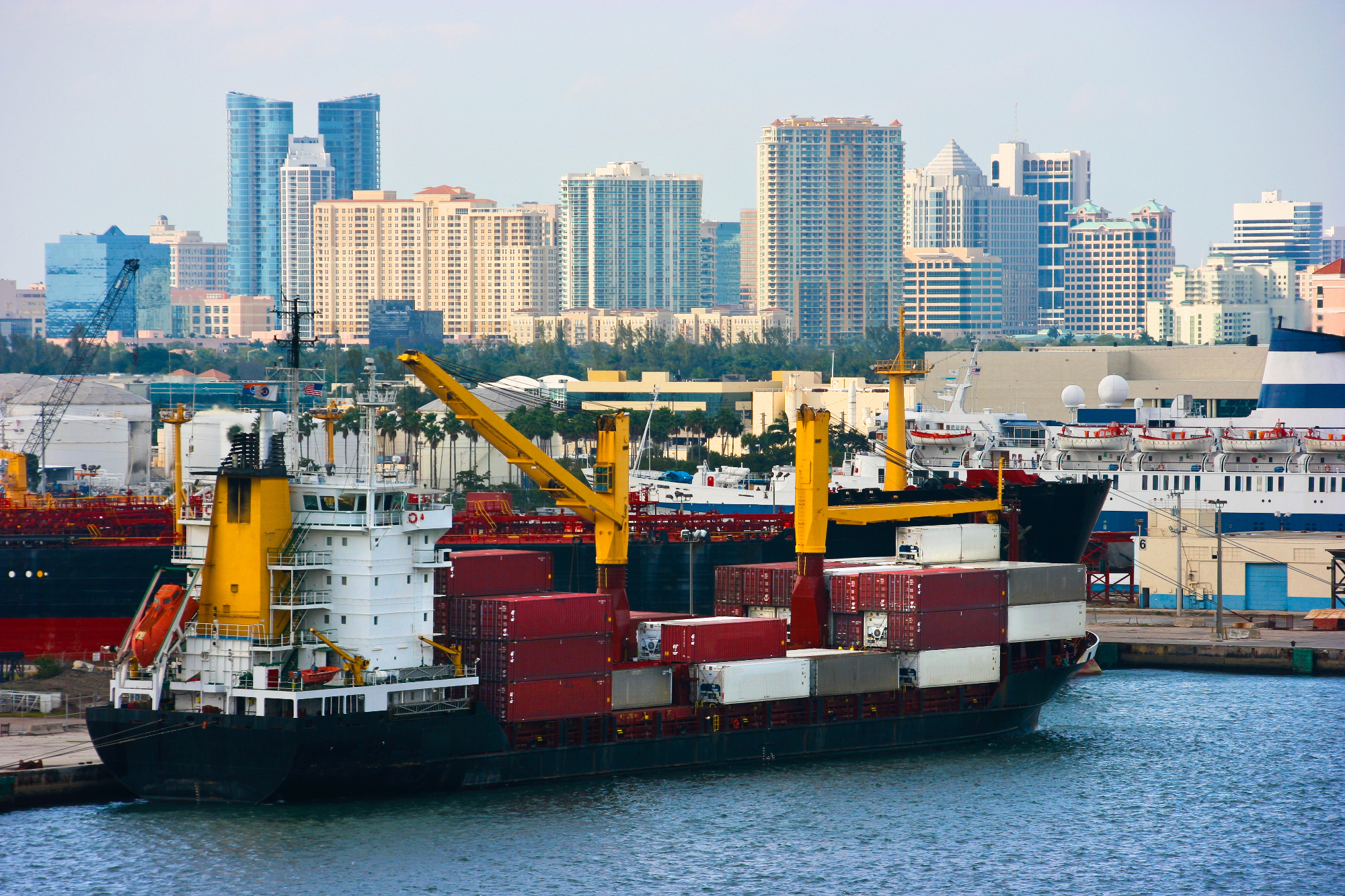port-fort-lauderdale-containerschiff
