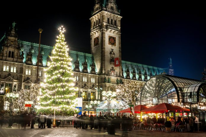 christmas-cruising-in-hamburg