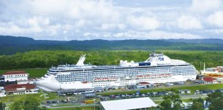 coral-im-panamacanal