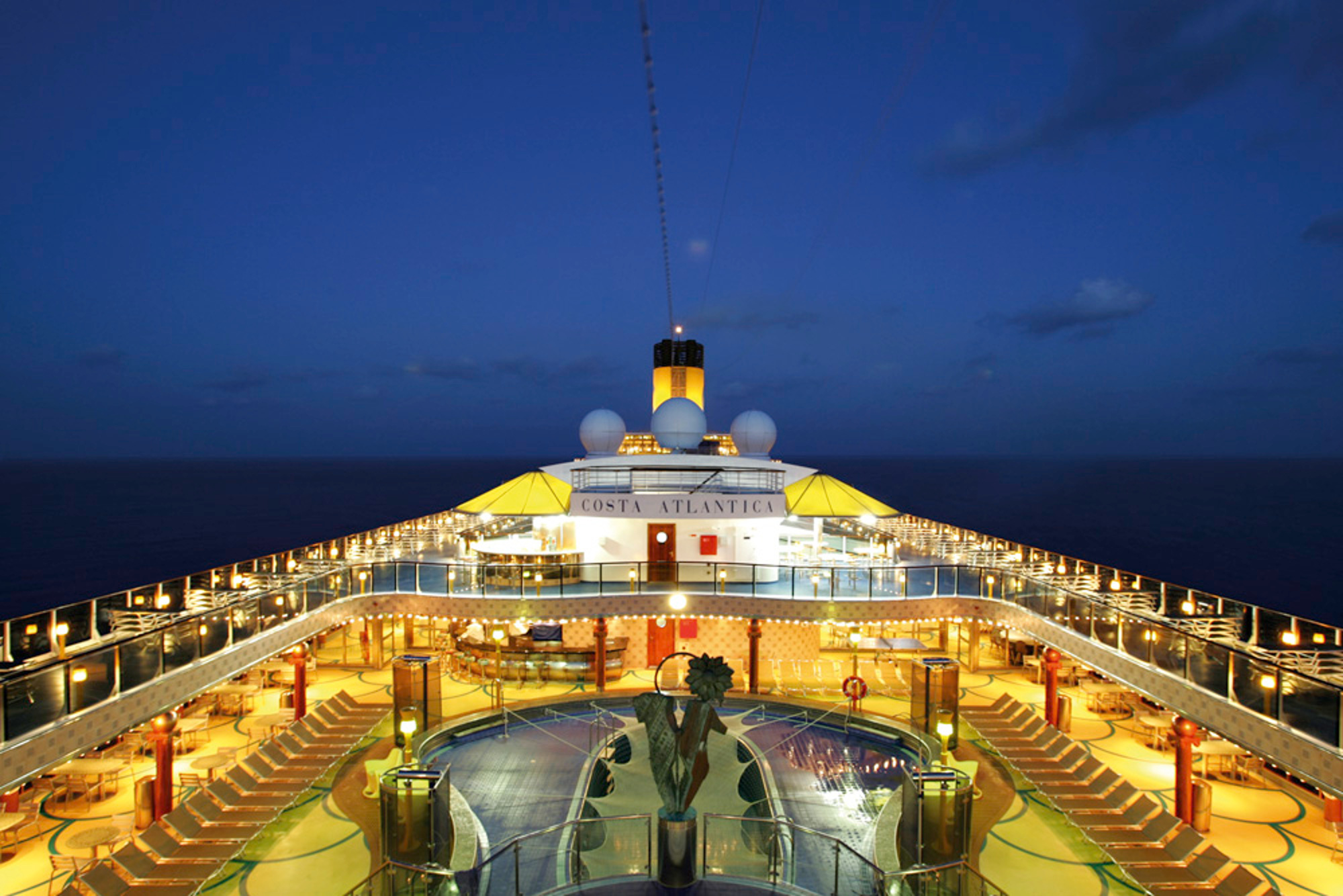 costa-atlantica-deck