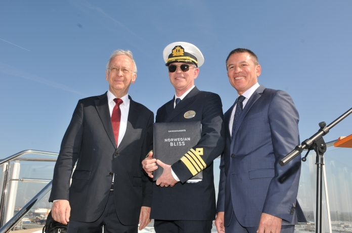 norwegian bliss Bernard Meyer, Captain Karl Staffan Bengtsson, Andy Stuart
