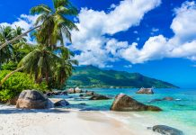 traumstrand im indischen ozean